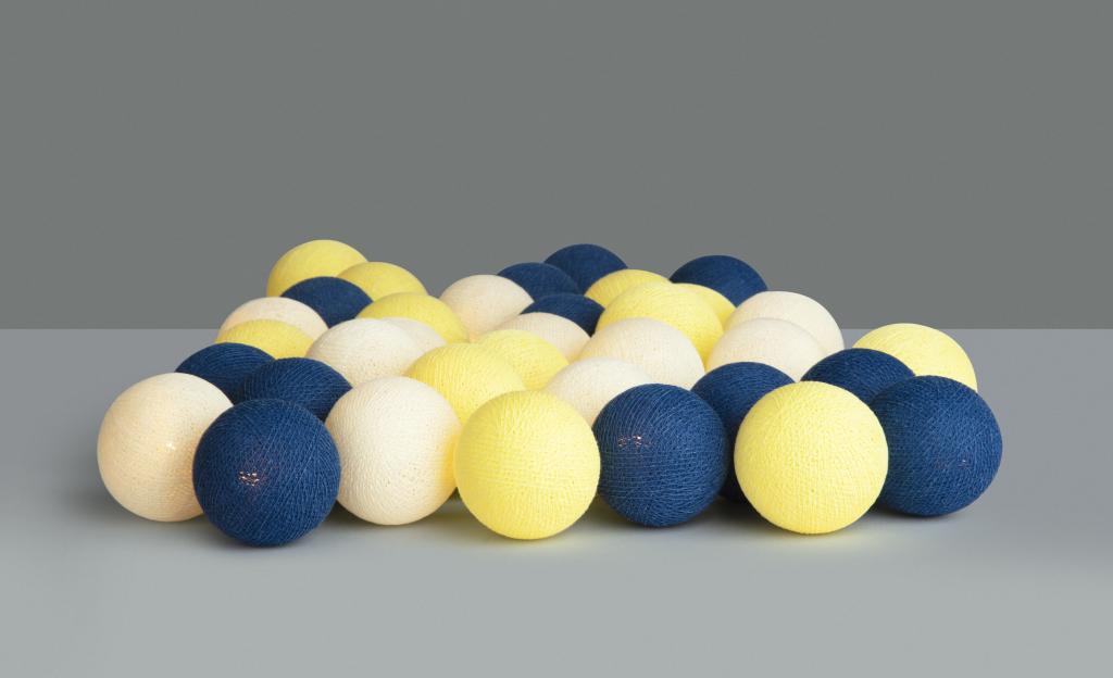 Irislights Celebrations ljusslinga i gult och blått. Dekorationsbelysning i svenska flaggans färger. Perfekt för studentskivan eller midsommarfirande.